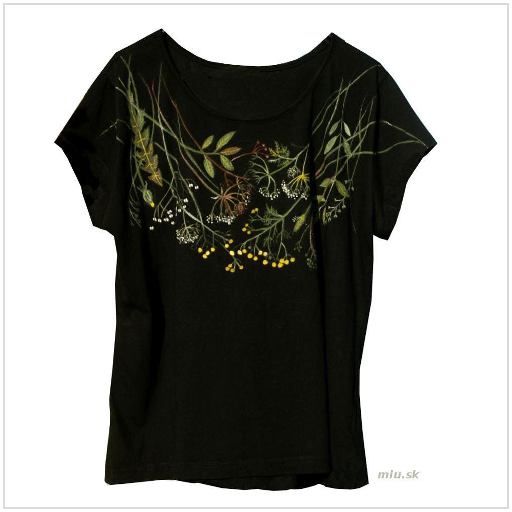 4535195ece06 Maľované čierne tričko s lúčnymi kvetmi – miu.sk